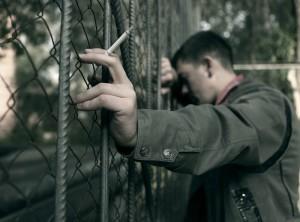 Актобе. Полицейские ловят курильщиков в подъездах Photo mgorod.kz
