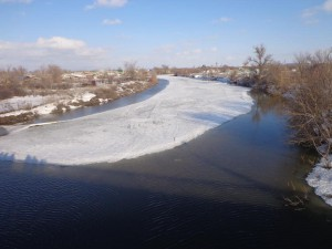 Уральск. Уровень воды в Деркуле приближается к опасному  derkul