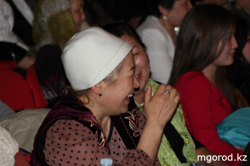 """Актобе. """"Мой ГОРОД"""" побывал за кулисами театра """"Екi езу"""" (ФОТО) eki_ezu_1 (12)"""