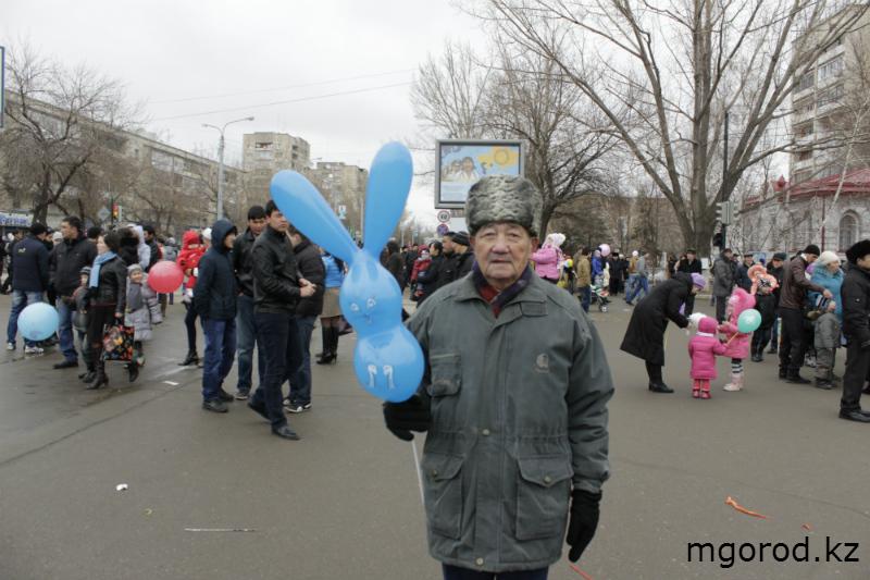 Новости Уральск - В Уральске отпраздновали Наурыз мейрамы (ФОТО) m23