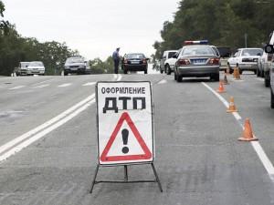 Новости Атырау - В Атырау гаишник попал  в аварию DTP_www.transport35.ru