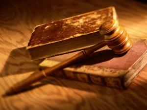 Актобе. Оштрафовали мать ребенка, пытавшегося заработать на обувь telegrafist.org
