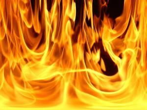 Атырау. Дорожные полицейские спасли людей от пожара Фото с сайта sakhalife.ru