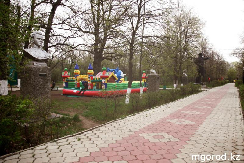 Советские места Уральска (ФОТОРЕПОРТАЖ) MG11