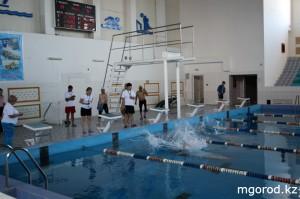 В Уральске проходят соревнования по плаванию среди инвалидов MG1