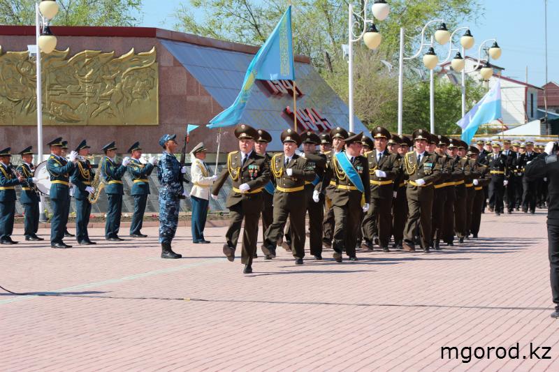 Парад Победы в Уральске (ФОТОРЕПОРТАЖ) MG18
