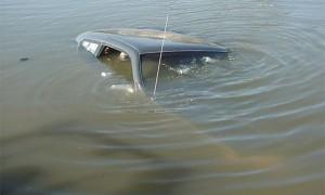 В Актобе рыбак утонул вместе с машиной  car_www.usedcars.ru
