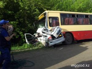 Новости Уральск - В страшной аварии на Жанхир-хана виноват водитель «Ауди А6» crash5_www.mgorod.kz