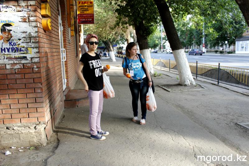 В Уральске дарили людям хорошее настроение mgorod.kz 13