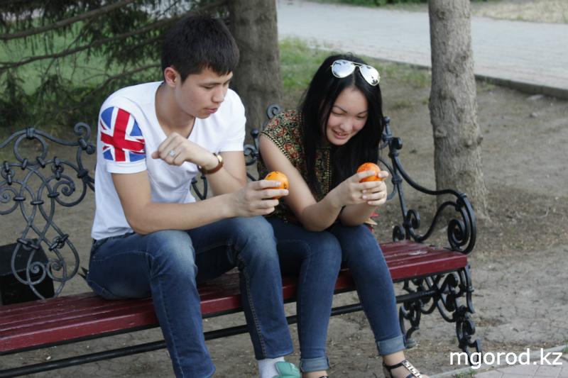 В Уральске дарили людям хорошее настроение mgorod.kz 15