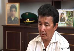 Атырау. Родители погибших пограничников требуют компенсацию Грифулла БАЛГАБАЕВ, отец покойного Данияра БАЛГАБАЕВА