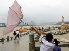 Новости - Казахстанские туристы попали в шторм на острове Хайнань фото с сайта 100dorog.ru