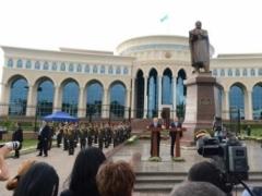 Назарбаев и Каримов поучавствовали в открытии памятника Абаю 3
