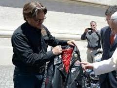 Байкеры подарили Папе Римскому два Harley-Davidson 5