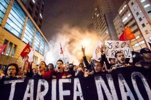 Более 220 тысяч бразильцев собрались на акции протеста против повышения цен на проезд Фото с сайта newsfiber.com