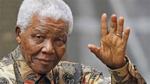 Экс-президент ЮАР Нельсон Мандела в критическом состоянии фото lifenews.ru