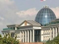 В новом здании грузинского парламента обвалилась часть крыши 9