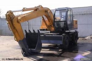 Житель Иргиза разрезал 30-тонный экскаватор и хотел продать его ekskavator