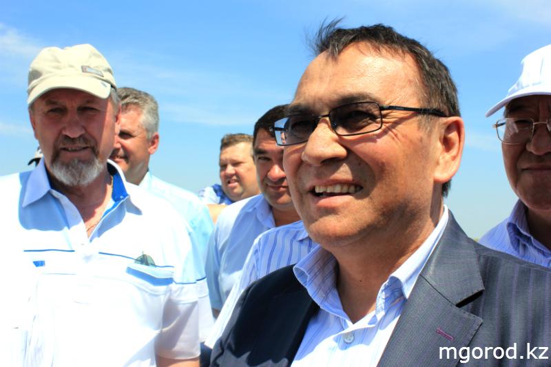Новости Актобе - В Актюбинской области началась борьба с саранчой (ФОТОРЕПОРТАЖ) mgorod.kz 11