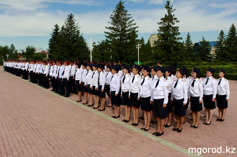 В Уральске прошёл парад полицейских mgorod.kz 1