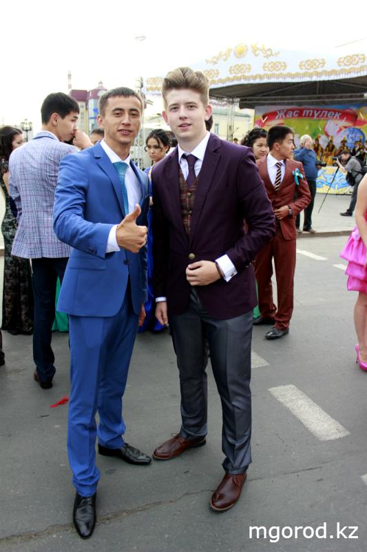 Новости Уральск - В Уральске состоялся бал выпускников mgorod.kz 13