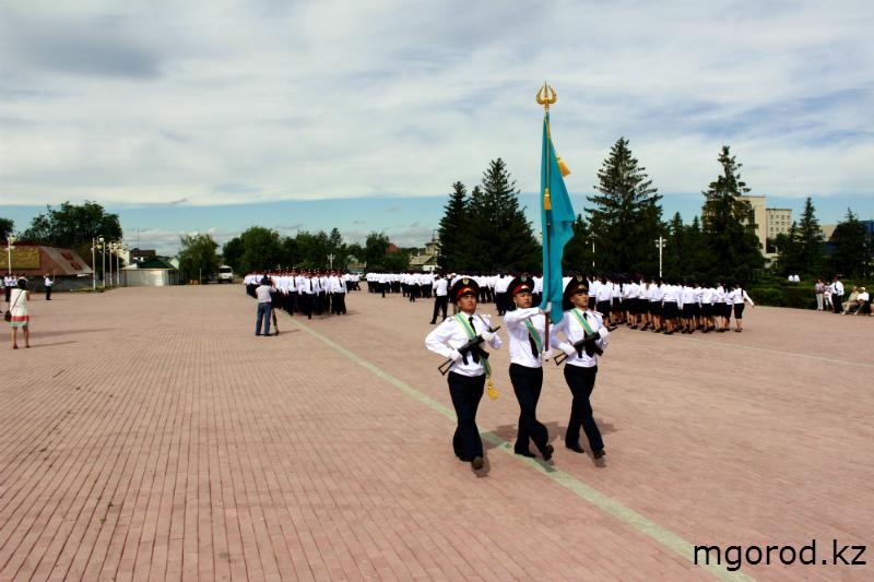 В Уральске прошёл парад полицейских mgorod.kz 16