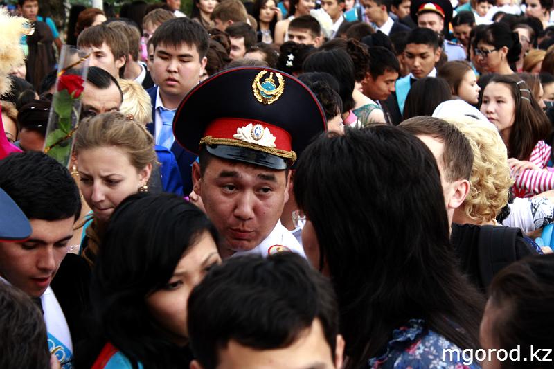 Новости Уральск - В Уральске состоялся бал выпускников mgorod.kz 3