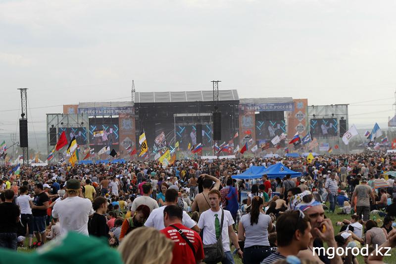"""Новости Уральск - """"Мой ГОРОД"""" побывал на """"Роке над Волгой"""" mgorod.kz 43"""