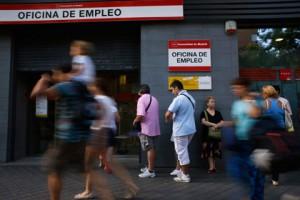 Новости - Испанцы самый пессимистичный народ ЕС Очередь на биржу труда, Испания Фото: Susana Vera / Reuters