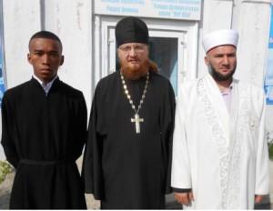 Новости - В риддерском православном храме служит темнокожий послушник ФОТО : Наталья Потапова