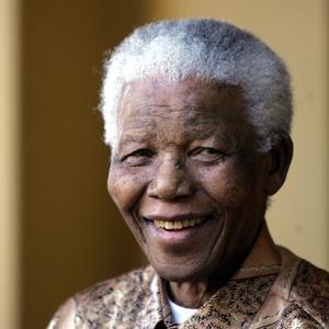 Родные Нельсона Манделы продают права на трансляцию его похорон Фото nypost.com