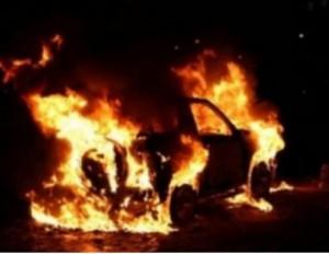 Житель Риддера поджог автомобиль на глазах у полицейских Фото с сайта yk-news.kz