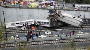 Число жертв крушения поезда в Испании достигло 60 человек Фото inosmi.ru