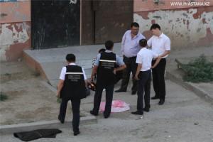 Новости Атырау - В Атырау молодая женщина выбросилась с 7 этажа Место, где произошел суицид. Фото с сайта m-astana.kz