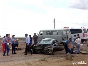 В ДТП в Атырауской области погибли трое