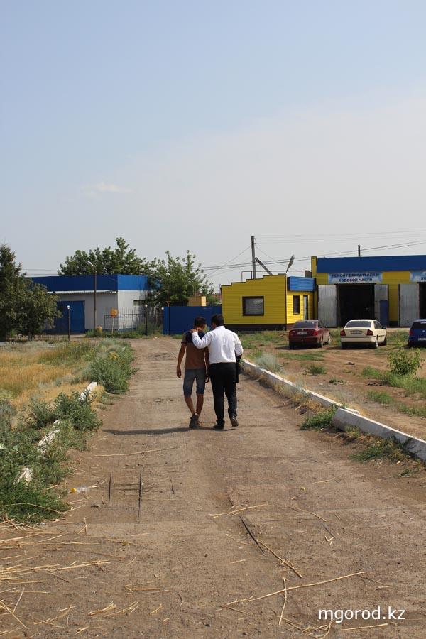 В Уральске разгоняли продавцов арбузов на дороге garbuz12