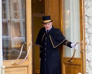 В Уральске швейцар гостиницы предоставлял клиентам проституток Иллюстративное фото с сайта www.forum.photokaravan.com