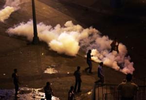 Полиции Египта разрешили использовать в ходе беспорядков боевые патроны фото REUTERS