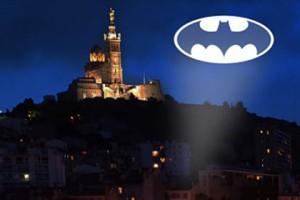 Новости - Жители Марселя призвали на помощь Бэтмена Изображение: официальная страница акции в Facebook