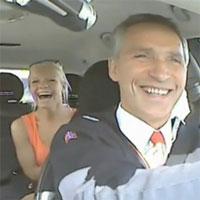 Новости - Премьер-министр Норвегии на один день стал водителем такси Фото auto.zakon.kz