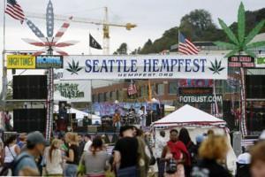 Полиция Сиэттла угостит любителей марихуаны чипсами Фестиваль Hempfest Фото: Ron Wurzer / AFP