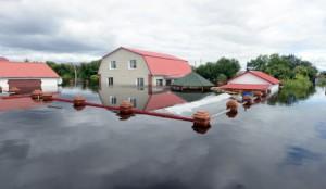 Новости - Число пострадавших от наводнения на Дальнем Востоке превысило 100 тысяч человек Фото topnews24.ru
