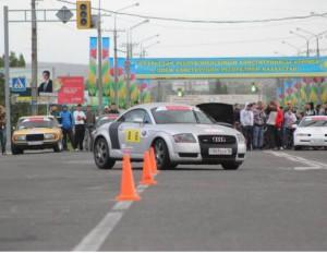 В Усть-Каменогорске прошёл второй этап чемпионата Казахстана по фигурному вождению автомобилей ФОТО : Елена Казаковцева