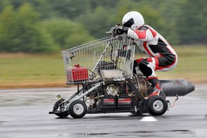 Британец разогнал тележку из супермаркета до 113 километров в час Мэтт Маккоун Фото: Dobson Agency / Rex Features / FOTODOM.RU