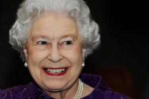 Новости - Елизавете II понадобилась новая горничная Елизавета II Фото: Luke MacGregor / Reuters