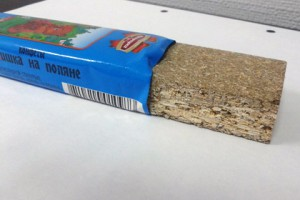 Новости - Жительнице Минска продали деревянную конфету Фото: onliner.by