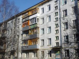 В Уральске двухлетний ребенок выпал из окна Иллюстративное фото с сайта progorod43.ru