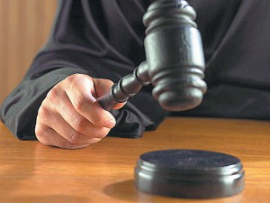 Новости Актобе - В Актобе суд оправдал подозреваемого в международной контрабанде иномарок sud