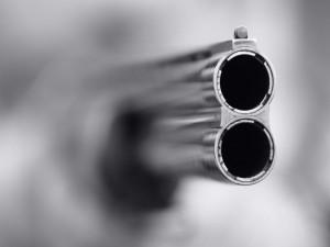 Новости Уральск - В ЗКО сын случайно застрелил родного отца Иллюстративное фото с сайта moldnews.md