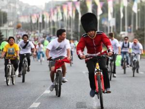 В велопробеге ко Дню города Алматы участвовали более 4000 человек фото пресс-службы